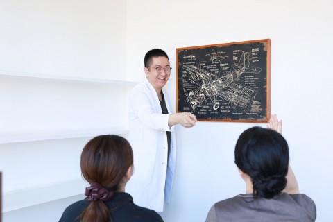 コロナ禍で正確な情報をつかむには?  アートを活用し観察力や言語力を培う講義をしている医師の森永康平さんに伺いました